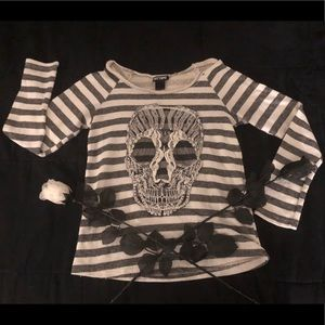 Lace skull black and white striped long sleeve